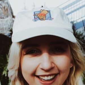 VINTAGE DISNEY Embroidered 'Winnie The Pooh' Cap